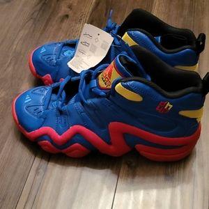 Adidas  Dwight Howard basketball shoe